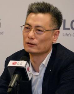 LG-Electronics-Mobile-President-Hwang-Jeong-hwan